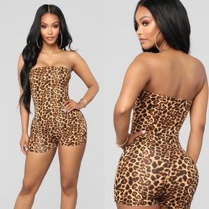 3/$30 Fashion Nova Leopord print tube romper Small